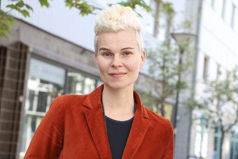 Engasjement: Ina Otzko fra Sandnessjøen er tildelt Ywendprisen 2018 for sitt arbeid som billedkunstner, og for sitt engasjement både lokale og internasjonalt. Foto: Jill-Mari Erichsen