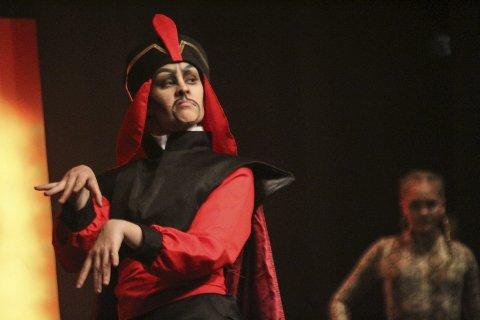 Rikke Anett Lund i rollen som Jafar.