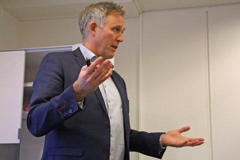 Administrasjonssjef Børge Toft, anser saken som ute av verden etter at han kjørte fra politiets promillekontroll 17. juni i år.Han godtok et forenklet forelegg etter hendelsen.