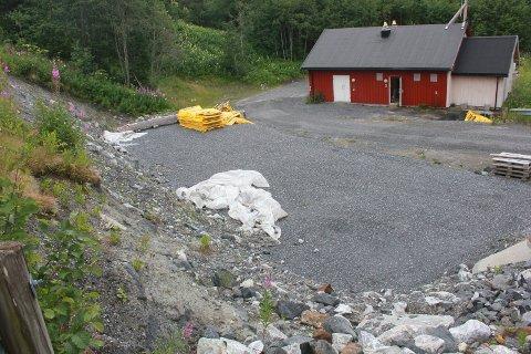 HER: Det er på dette området på Shmils anlegg på Åremma at bodøselskapet Mivanor skal montere et renseanlegg som skal rense sigevann fra Shmils deponi.