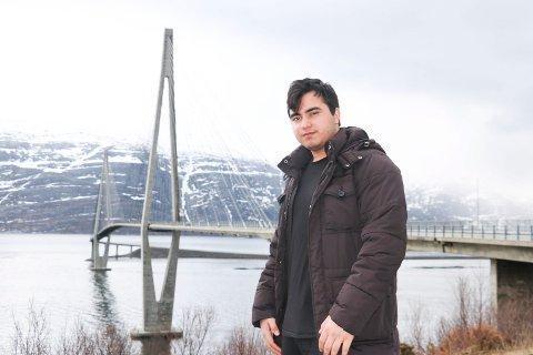 til retten: Mosha fra Sandnessjøen er en av 35 oktoberbarn som ikke får sin sak gjenopptatt av UNE. Han og hans norske familie tar nå saken til retten med bistand fra NOAS. Saken er berammet i Oslo Tingrett 25. og 26. oktober.