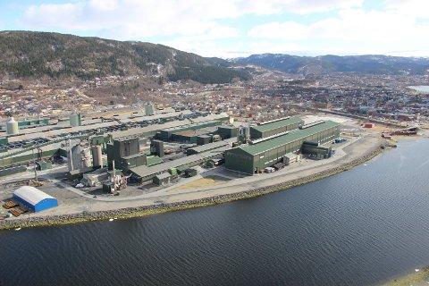 REKORDRESULTAT: Alcoa Mosjøen (bildet) og Alcoa Lista har sørget for tidenes resultat for Alcoa Norge.