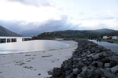 Mosjøen Bystrand risikerer å bli ødelagt dersom den ikke vedlikeholdes.