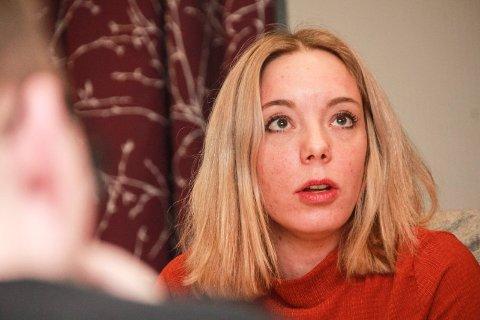 BER OM PRESS PÅ SAKEN: Kine Mosheim Lysfjord satte veivesenets situasjon på dagsorden i Vefsn formannskap.