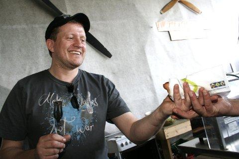 Servicemannen: Stig Olav Bolstad fra Hattfjelldal blir Rune Lyng sin makker når Rema 1000 Mosjøen åpner dørene 4. april. Arkivfoto: Stine Skipnes