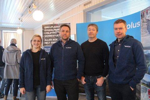 Assisterende prosjektleder Mathilda Svensson, ingeniør Håkon Strand, prosjektleder elektro Kjell Arne Bekkevold, og prosjektleder Mattias Törnkvist var noen av dem som presenterte vindkraftverket på Kulturverkstedet onsdag.
