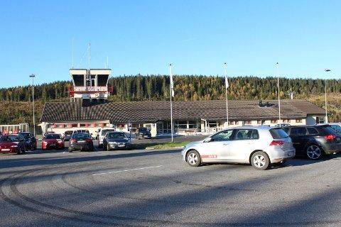 STRUKTUR: Foreløpig består lufthavnstrukturen på Helgeland. Avinor er relativt sett beskjeden i omtalen av hauanprosjektet i et innspill om neste NTP- periode. Bildet viser Mosjøen lufthavn, Kjærstad.