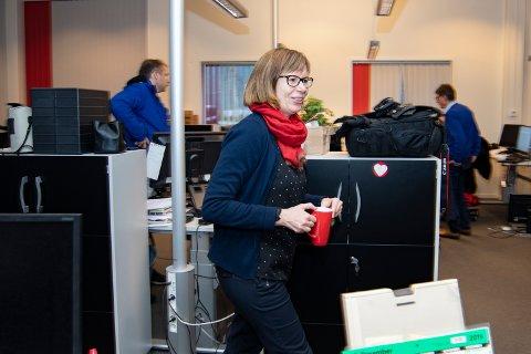 Marit Almendingen har 27 års fartstid i Helgelendingen som journalist, vaktsjef og de siste tre årene som ansvarlig nyhetsredaktør.