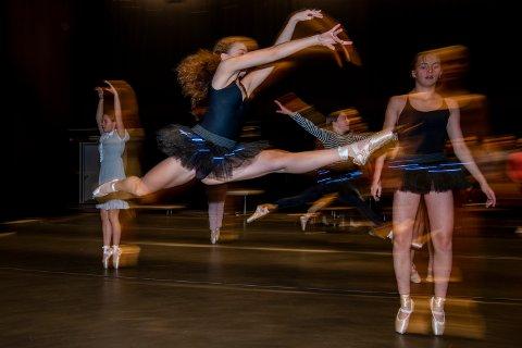 For første gang skal en hel ballettforestilling med dansere og levende orkester framføres i Mosjøen Kulturhus.