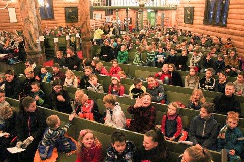 Skolegudstjeneste: Etter høringsrunden har Vefsn kommune fått inn sju høringssvar der flertallet støtter alternativet med å beholde dagens opplegg.