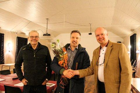 Mosjøen skytterlag feirer dugnadsinnsats og støtte fra Helgeland Sparebank Gudmund Røsdal, Svein Hansen og Svein Gunnar Jakobsen