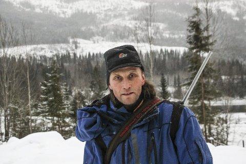 FRAMTIDA: Ole Henrik Kappfjell frykter at det kan gå mot slutten for reindriftsnæringa hvis Øyfjellet vindpark blir bygd. Foto: Rune Pedersen