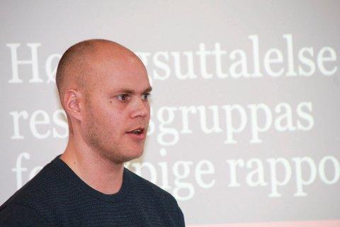 SAKLIGHET: Espen Isaksen i MON informerte Vefsn formannskap kort om høringsuttalelsen.