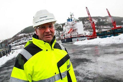 FORNØYD: Om ikke lenge skal en kontraktør gå i gang med å bygge et landstrømsanlegg på kaia i Mosjøen. - Gledelig. Flere båter er klargjort for å kunne kople seg på anlegget, sier havnesjef Kurt Jessen Johansson.