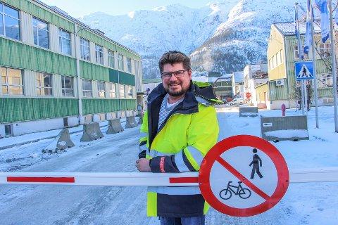 Steinar Anshus er ny sjef ved Alcoa Mosjøen. Mandag hadde han sin første dag i den nye jobben.