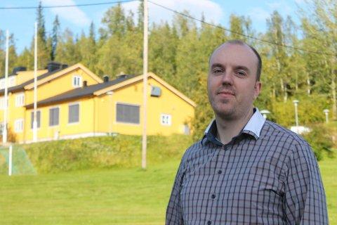 Lars Gunnar Marken er daglig leder ved Sørsamisk kunnskapspark i Hattfjelldal. Nå vil han bli politiker i kommunen.