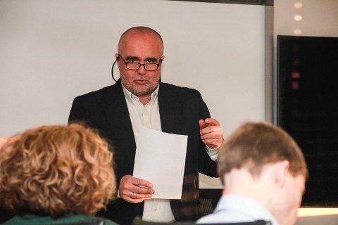 Sten Rino Bonsaksen er en av dem som har søkt på rektorjobben.