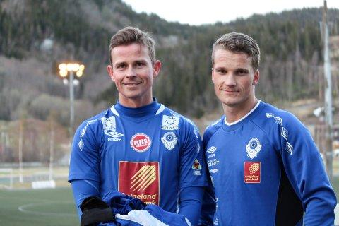 Eirik Høgseth (t.v.) scoret tre ganger, men syns han burde scoret flere. Kaptein Joakim Høgseth Finsås tror laget må heve seg mot bedre motstandere.