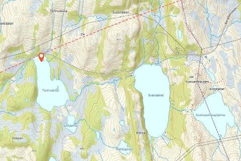 Bilen med de fire personene kjørte ut i Tennvatnet fra gamle E6 over Korgfjellet. Kart: Norgeskart
