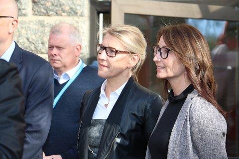 Adminstrende direktør Hulda Gunnlaugsdottir og direktør for Sandnessjøen sykehus, Rachel Berg, hadde en orientering for statsministeren. Her ble både varslersakene, og Liv Haugens dissens et tema.