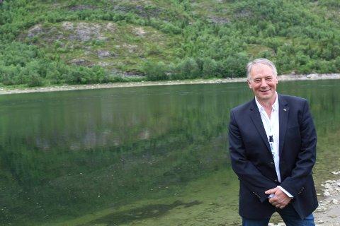 LAKSEFORVALTNING: Bjørn Brodtkorb er gjennom selskapet Brodtkorb AS den største private fiskerettighetshaveren i Vefsna.