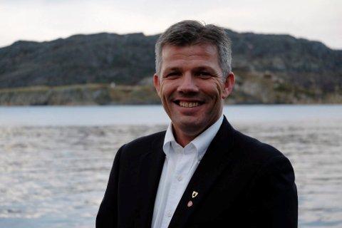 NEI: - Det går ikke an å kreve bompenger uten å bygge veien, sier Bjørnar Skjæran, leder i Nordland Ap, gruppeleder for partiet på fylkestinget og nestleder i Ap.