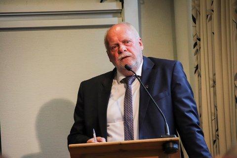 UAVKLART: Jann-Arne Løvdahl redegjorde for at mange faktorer er uavklart i bomsaken.