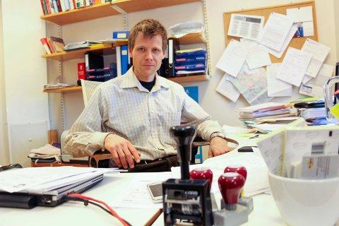 Nicolai Heilemann i Vefsn kommune vil ikke jage vekk bobilturister med det første.