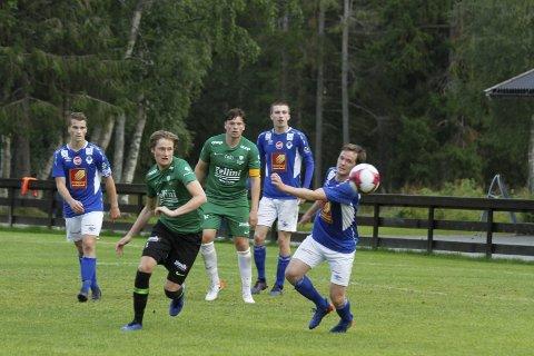SMAKTE: Håkon Stenersen synes det er bedre å vinne 1-0 med sterkt press imot enn 6-0 mot dårlig motstand. Foto: Per Vikan