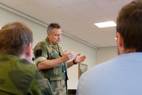 UTREDNING: - Vi jobber med en utredning om Drevjamoen som lokalitet for en rekruttutdanning for HV-soldater, sier Bengt Henriksen, distriktssjef i HV-14.