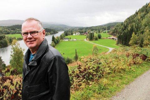 Bjørn Ivar Lamo er på jobbjakt i egen kommune. Dermed måtte Grane be om hjelp fra naboen.