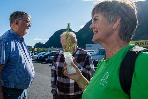 Senterpartiets Berit Hundåla liker å prate med  folk, og hun liker politikk.