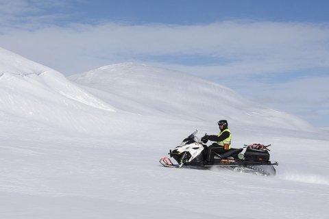 Under årets snøscootersesong kan scooterfolket i Hemnes kommune boltre seg på hele 17 mil med tilrettelagte løyper. etter at løypenettet ble utvidet med 15 kilometer. De kan også kjøre videre inn på løypene i Hattfjelldal og Vefsn.