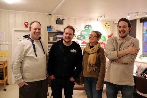 Glad: Kim Erik Aanes (lærer esport), Simen Nyland (lærer film og youtube), undervisningsleder Nina Stimo og Alf Marius Valan (lærer laptopmusiker)