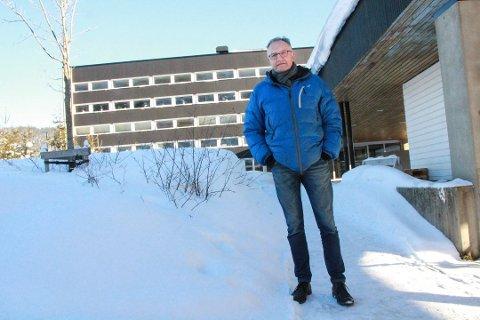 Rektor Kurt Henriksen på Mosjøen videregående skole har tirsdag sendt ut en melding til elever og foreldre etter at skolen har mottatt en trussel om skoleskyting via sosiale medier. Bildet er tatt ved en tidligere anledning.