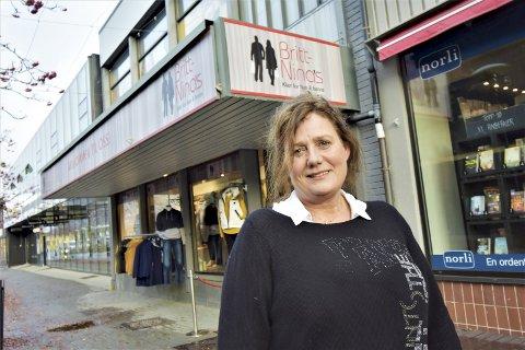 Britt-Nina Storeng Forsmo 53 år. Gift, mor til én, bonusmor til to, bestemor til én. Innehaver av forretninga Britt-Ninas. Bor i Mosjøen.