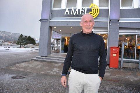 ØKNING: Knut Skatland, sentersjef ved Amfi Mo i Rana, forteller at gratis parkering har hatt en stor effekt på handelen i sentrum av Mo i Rana.