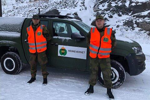 STØTTER POLITIET: Soldater fra HV-14 er på plass ved svenskegrensen hvor de støtter politiet i deres arbeid.