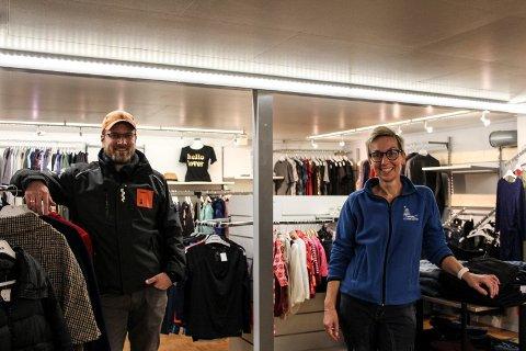 Arbeidsleder Frank Ivan Bjørkmo og frivillig Monja Karina Lande gleder seg til restart.