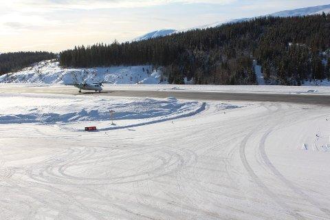 Ingen fly har landet på Mosjøen lufthavn, Kjærstad mandag. Årsaken er lavt lufttrykk.