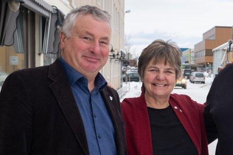 Alstahaug-ordfører Peter Talseth og Vefsn-ordfører Berit Hundåla.