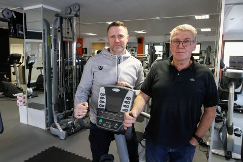 Spent: Kjetil Hoff fra Kippermoen idrettssenter og Knut Wulff Hansen fra Frisk3 er spente på hvordan situasjonen utvikler seg.