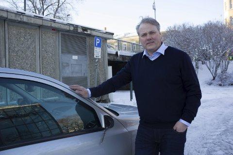 DUGNAD: Bjørn Larsen, leder i Mosjøen næringsforening, syns det er rett og rimelig at bankene er med på den store nasjonale dugnaden.