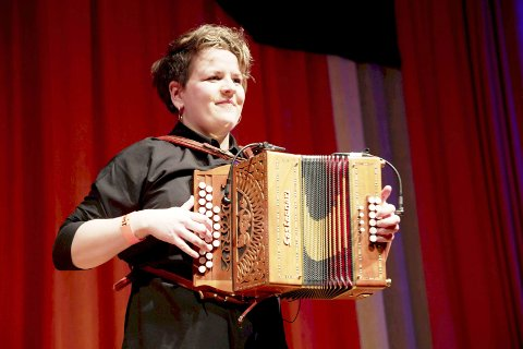 Hilde Fjerdingøy 35 år. Singel. Musiker. Fra Grane. Bor i Oslo. FOTO:HALLDIS FOLKEDAL & TELLEF KVIFTE