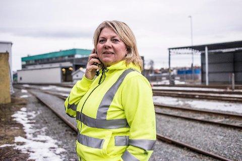 Wenche Bye er en av renholderne som nå mister jobben i NSB Trafikkservice, etter at de tapte anbudet om renholdstjenestene på togene når SJ tar over i juni.