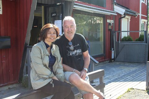 I sola: Panjaros Kimakhom og Gunnar Holmen jobber mot en ny kafe i huset hvor Kingwinn holdt til sist.
