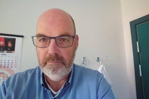 KLAGDE: Morten Hagen så seg nødt til å sende inn klage etter en dårlig opplevelse med det begrensede togtilbudet.