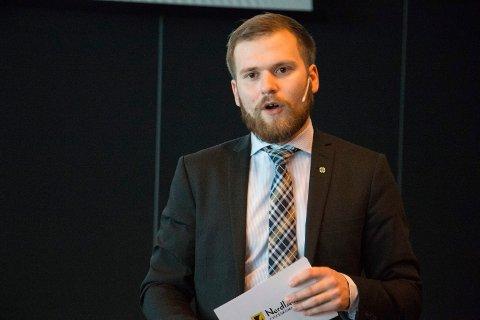 Willfred Nordlund spør om opprydding i det utrangerte kobbernettet.