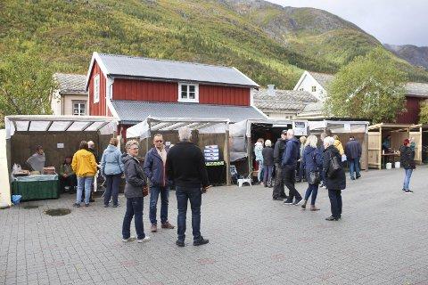SIGNALARRANGEMENT: Tiendebytte er et av tre arrangement i Mosjøen som Mosjøen næringsforening omtaler som signalarrangement. Bildet er tatt under Tiendebytte tidligere i høst.
