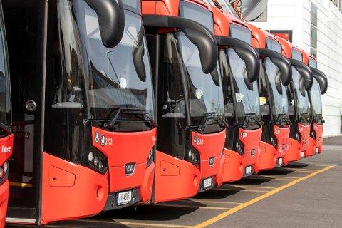 STREIK: Skolebussene går ikke i dag, og det fører til at noen elever har problemer med å komme seg på skolen.